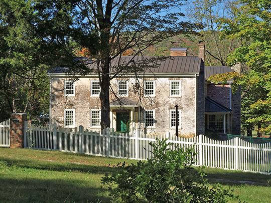 Phelps-Jones House, ca. 1820, 6112 Pulaski Pike, Huntsville, AL, National Register