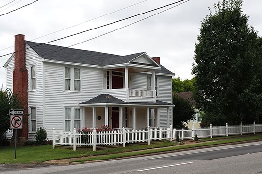 Henry-Jordan House, ca. 1877, 301 Blount Avenue, Guntersville, AL, National Register