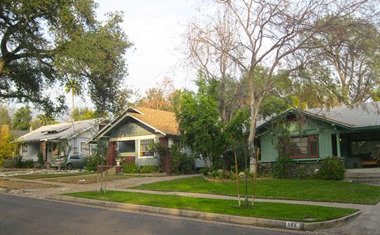 Street scene (Michigan Avenue), Bungalow Heaven Historic District, Pasadena, CA.