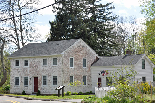 Warburton House, ca. 1802, 19 Main Street, Talcottville Historic District, Vernon, CT, National Register