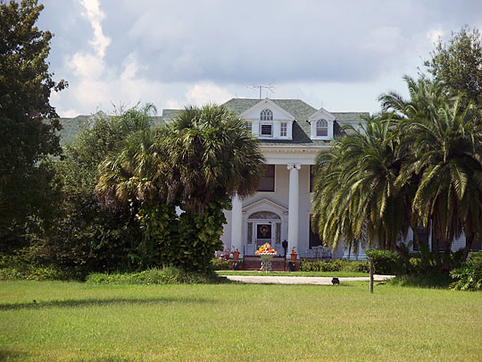 Colonial Estate, Also known as the tucker/ivey house,kissimmee,fl