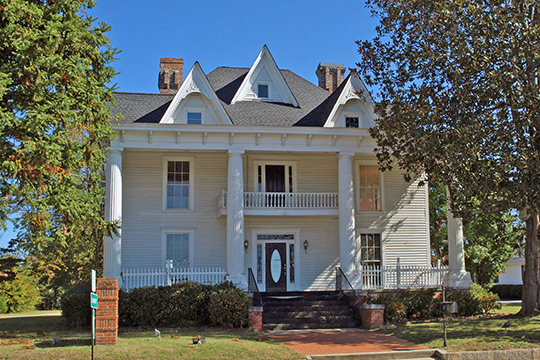 Circa 1900 residence, North Broad Street Residential Historic District, Winder, GA.