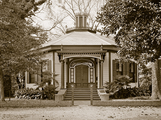 Octagon House (May's Folly), ca. 1830/1860s, 527 First Avenue, Columbus, GA