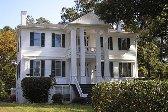 Holly Court, ca. 1833, 301 South Alexander Street, Washington, GA, National Register