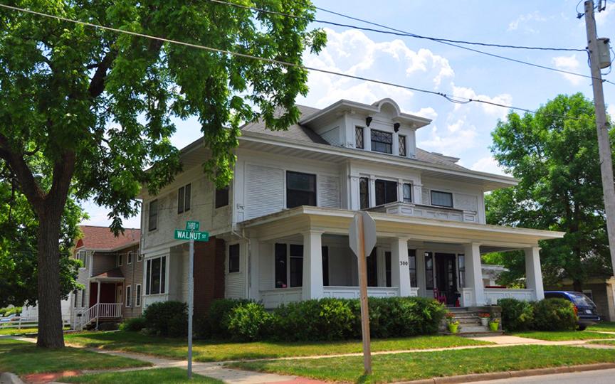 Clement B. Gingrich House, ca. 1915, 300 Walnut Street, Wateloo, IA, National Register