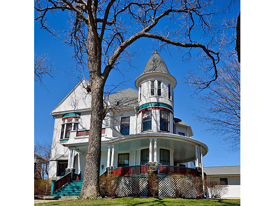 Home in the Fenelon Place Residential Historic District, Dubuque, IA, National Register