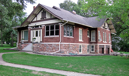 A.B.C. Dodd House, ca. 1910, 310 Third Avenue, Charles City, IA, National Register
