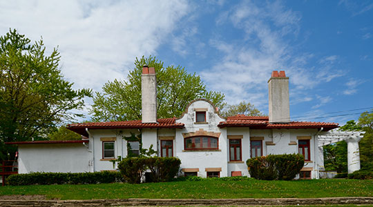 August H. Bergman House, ca. 1909, 629 First Avenye East, Newton, IA, National Register