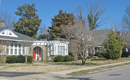 Homes along Alumni Avenue, Alumni-Latham-Moorehead Historic District, Hopkinsville, KY, National Register