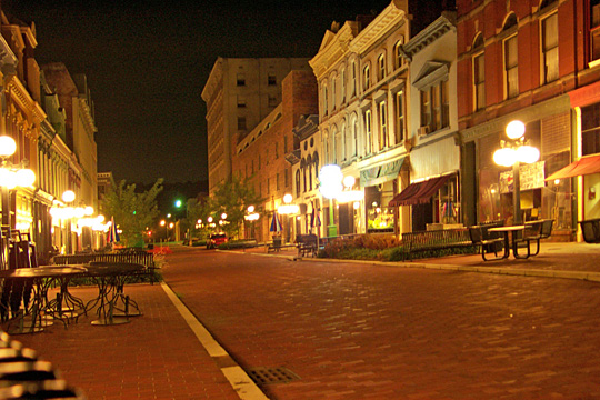 Downtown Frankfort at night