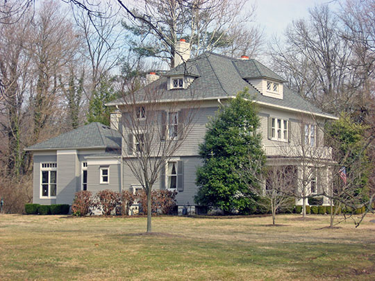Richard Gwathmey House, ca. 1896, 1205 Elm Road, Anchorage, KY, National Register