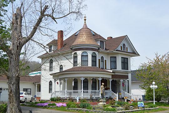 Patterson House, ca. 1907, corner of West and 2nd Streets, Paintsville, KY, National Register