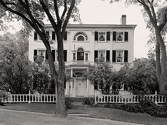 Nickels-Sortwell House, ca. 1807, Main and Federal Streets, Wiscasset, ME, National Register.