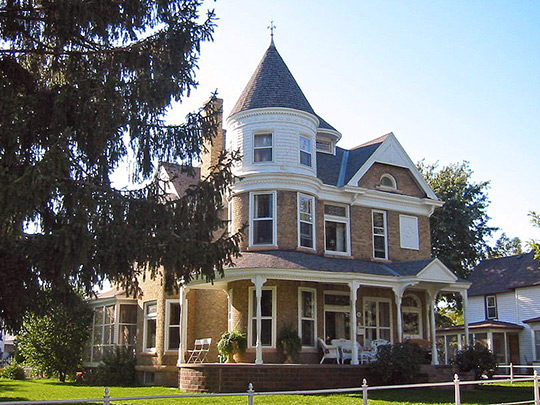 Eder-Baer House, ca. 1885, 105 Elm Street, Chaska, MN, National Register
