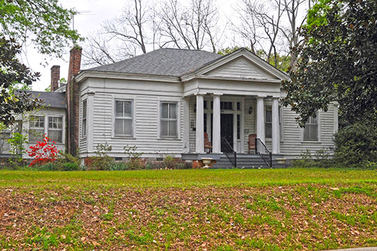 Thomas Coopwood House (Sunset Manor), ca. 1836/1852, 205 Thayer Avenue, Aberdeen, MS, National Register