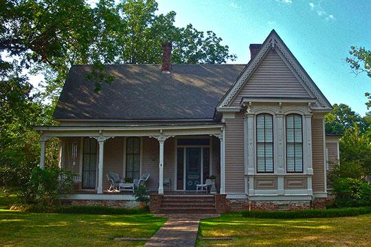 Taylor-Falls House, ca. 1885, Pointer Avenue, Como, MS, National Register