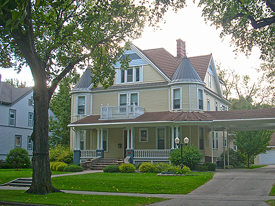Harriet and Thomas Beare House, ca. 1901, 420 Reeves Drive, Grand Forks, North Dakota, National Register