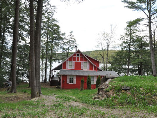 Lakeside Cottage in the Silver Lake Historic District, Harrisville, NH
