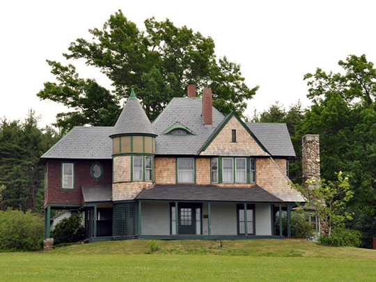 Hills House, ca. 1890, 211 Derry Road, Hudson, NH, National Register