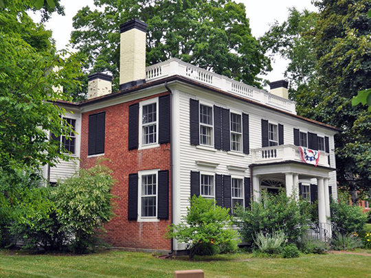 Abbott House, ca. 1804, 1 Abbott Square, Nashua, NH, National Register