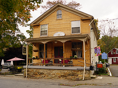 Cafe, ca. 1860 building, Mountainville Historic District, Tewksbury Township, Hunterdon County, NJ, National Register