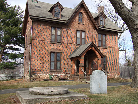 Jonathan Dunham House, ca. 1700, 650 Rahway Avenue, Woodbridge, NJ, National Register