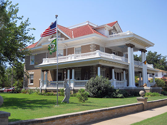 McCristy-Knox Mansion, ca. 1909, 1323 West Broadway, Enid, OK, National Register