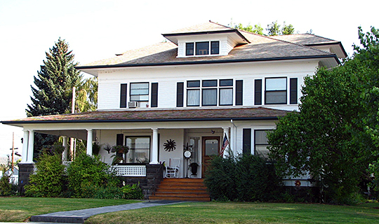 Thomas M. Baldwin House, ca. 1907,  126 West 1st Street, Prineville, OR, National Register.