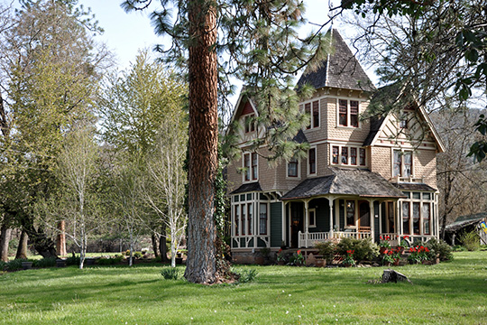 Chavner Family House, National Register, ca. 1892, 12162 Blackwell Road, Gold Hill, OR