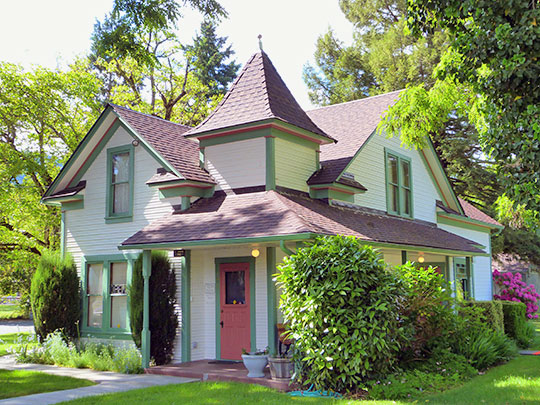 Charles and Elizabeth Hatch House, ca. 1905, 199 First Street, Rogue River, OR, National Register