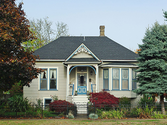Home at 1795 Court Street NE (Court Street-Chemeketa Street Historic District), ca. 1890,  Salem, OR, National Register