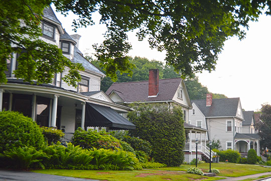 Homes along the western side of Allegheny Avenue, Applewold, PA