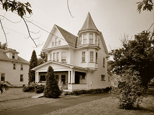 Warren R. Weaver House, ca. 1904, 106 Logan Boulevard, Altoona, PA