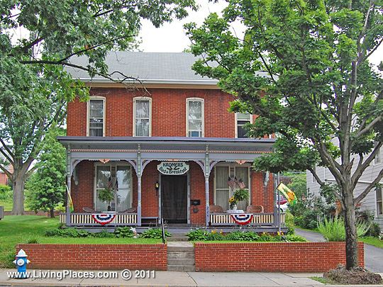 Kromer's Bed & Breakfast,  229 West Main Street, Ephrata, PA