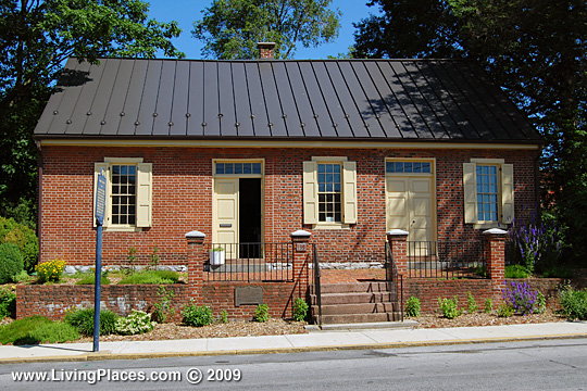 Quaker Meetinghouse, Lincoln Highway, Route 462, North Park Lane, York, PA, National Register