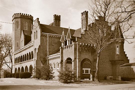 Hundred Oaks, ca. 1892, Oak Street, Winchester, TN, National Register