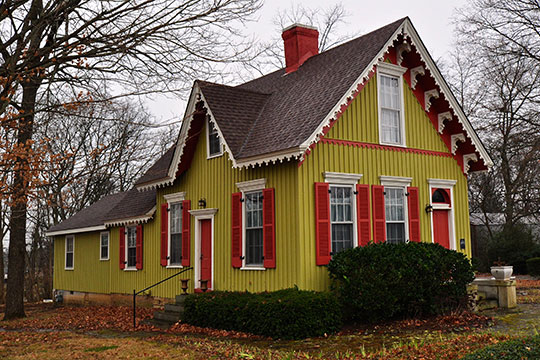 Ritter-Morton House (The Kissing House), ca. 1900, McLemore Avenue, Spring Hill, TN, National Register