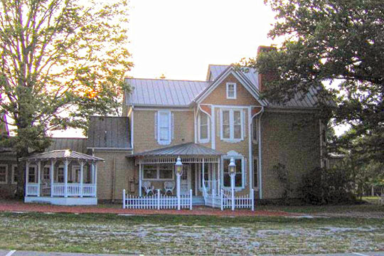 Trotter-Waters House, ca. 1895, 217 Cedar Street, Sevierville, TN, National Register