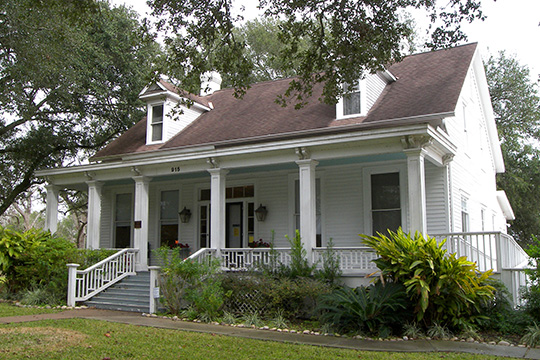 Lamar-Calder House, ca. 1854, 915 Front Street, Richmond, TX, National Register