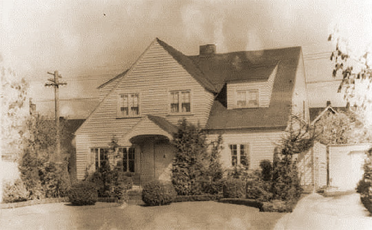 M. Crabb House, ca. 1918, 1423 North Fife Street, Buckleys Addition Historic District, National Register