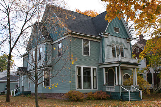 Home on Chapple Avenue, ca. 1895, Chapple and MacArthur Avenues Residential Historic District, Ashland, WI, National Register