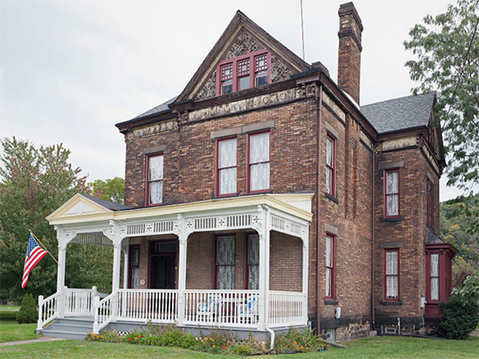 Marshall/McNeil House, ca. 1887, 1008 Ridge Avenue, New Cumberland, WV, National Register