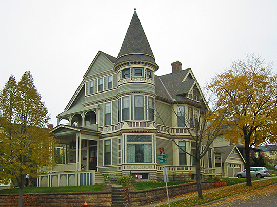 Queen anne style for American classic homes mn