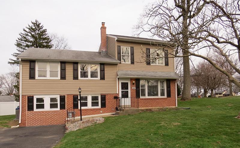 Home in Abington Woods