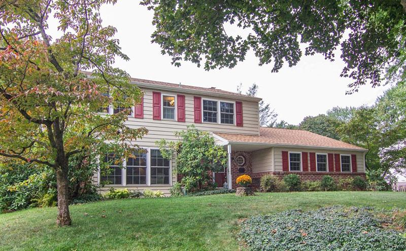 Home in Kirkland Manor